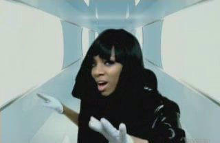 Lil mama feat Chris brown and T.pain---Shawty get loose.(2008)